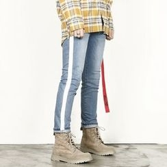 Rememberclick - Contrast-Trim Washed Jeans