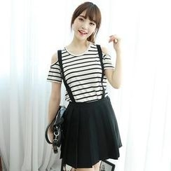 Dodostyle - Pleated A-Line Skirt with Suspenders