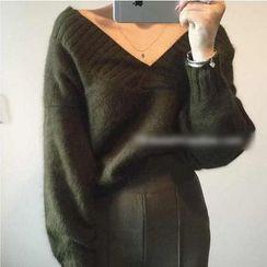 Octavia - V-Neck Thick Sweater