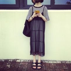 A7 SEVEN - 套装: 网纱带连衣裙 + 短袖T恤裙