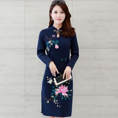 Lionhead - Embroidered Long-Sleeve Knit Cheongsam