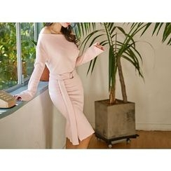 UUZONE - Belted Knit Dress
