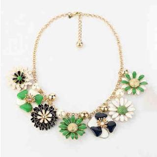 Best Jewellery - Flower Necklace