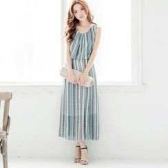 Tokyo Fashion - Patterned Chiffon Sleeveless Maxi Dress