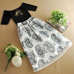 朵唯思 - 套装: 短袖上衣 + 图案连衣中裙
