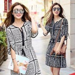 Romantica - Short-Sleeve Patterned Dress