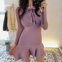 chuu - Lace-Up Knit Bodycon Dress