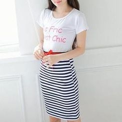 MisSweet - Set: Lettering T-Shirt + Striped Pencil Skirt