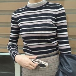 Dute - Striped Mock Neck Knit Top