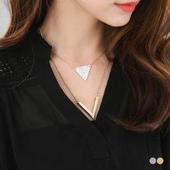 OrangeBear - V Shaped Necklace