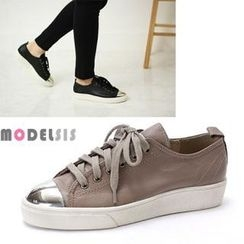 MODELSIS - Metal Toe-Cap Sneakers