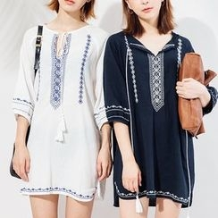 Heynew - Embroidered Elbow Sleeve Tunic