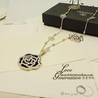 Love Generation - Rhinestone Rose Necklace
