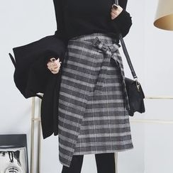 Sonne - Tie-Accent Asymmetric Plaid Skirt