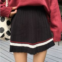 Dute - Striped Pleated Skirt
