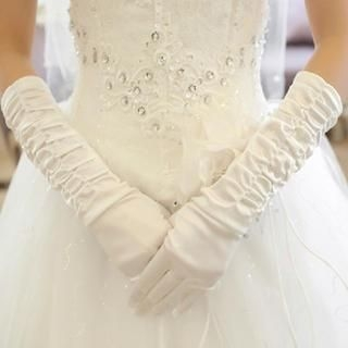 Luxury Style - Shirred Bridal Gloves
