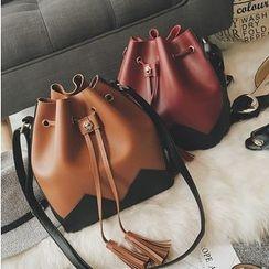 Aishang - Set: Color Panel Tasseled Bucket Shoulder Bag + Zip Pouch