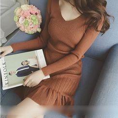 Sienne - Pleated Hem Knit Dress