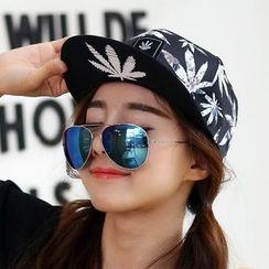 Salomi - Embroidered Cap