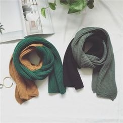 qiaqiayes - Color Block Knit Scarf