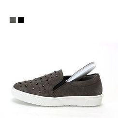 MODELSIS - Studded Slip-Ons