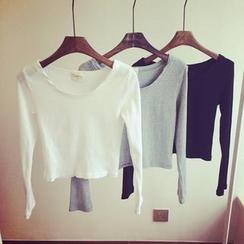 QZ Lady - Ribbed Long-Sleeve Cropped T-Shirt