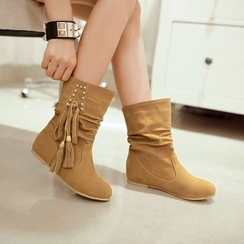 Pretty in Boots - Tasseled Short Boots