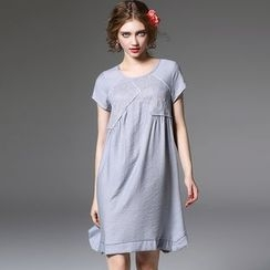 Y:Q - Lace Panel Short-Sleeve Dress