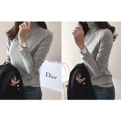 DAILY LOOK - Turtle-Neck Slim-Fit Top
