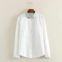 Mushi - Embroidered Contrast Collar Pintuck Shirt
