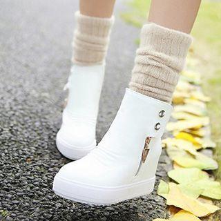 Tomma - Platform Studded Short Boots