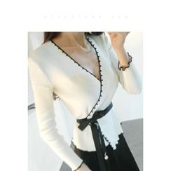 ATTYSTORY - Contrast-Trim Wrap-Front Knit Top