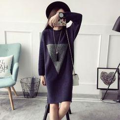 Qimi - Triangle Applique Sweater Dress
