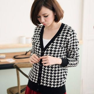 CatWorld - V-Neck Houndstooth Cardigan