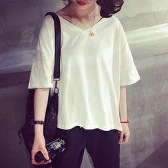 HazyDazy - Elbow-Sleeve V-Neck T-Shirt