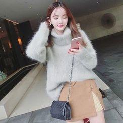Bloombloom - Turtleneck Furry Sweater