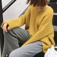 Frontline - V-Neck Chunky Knit Sweater