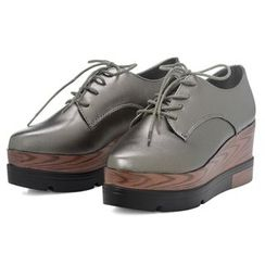 Yoflap - Patent Platform Oxfords with Wooden Accents