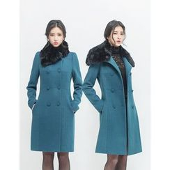 GUMZZI - Double-Breasted Faux-Fur Coat