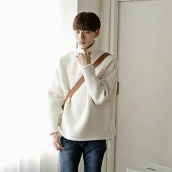 Seoul Homme - Mock-Neck Faux-Fur Lined Knit Top