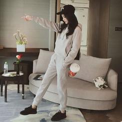 Ashlee - 套装: 纯色连帽衫 + 运动裤