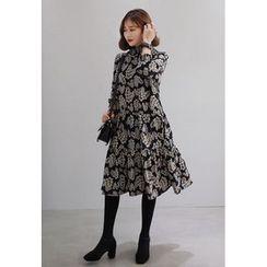 Miamasvin - Mock-Neck Flower Patterned Midi Dress