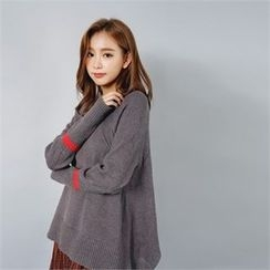 Styleberry - Crew-Neck Cutout-Hem Sweater