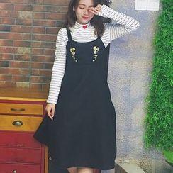 QZ Lady - Embroidered Woolen Jumper Dress