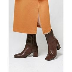FROMBEGINNING - Square-Toe Short Boots