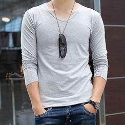 Telvi - Plain V-neck T-shirt