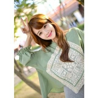 Bongjashop - 3/4 Sleeve Lace Patch Accent Blouse