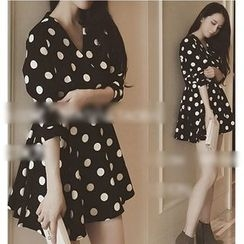 Oaksa - Dotted V-Neck 3/4 Sleeve Mini Dress
