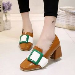 One100 - Buckled Chunky-Heel Pumps