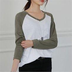 CHICFOX - V-Neck Raglan-Sleeve T-Shirt
